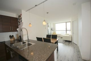 """Photo 3: 1208 813 AGNES Street in New Westminster: Downtown NW Condo for sale in """"NEWS"""" : MLS®# R2391706"""