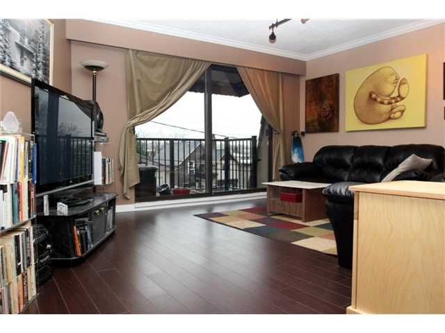 """Main Photo: 306 2222 CAMBRIDGE Street in Vancouver: Hastings Condo for sale in """"THE CAMBRIDGE"""" (Vancouver East)  : MLS®# V820038"""