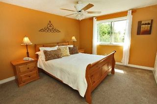 Photo 3: 880 Birch Avenue in Milton: Dorset Park House (2-Storey) for sale : MLS®# W2949642