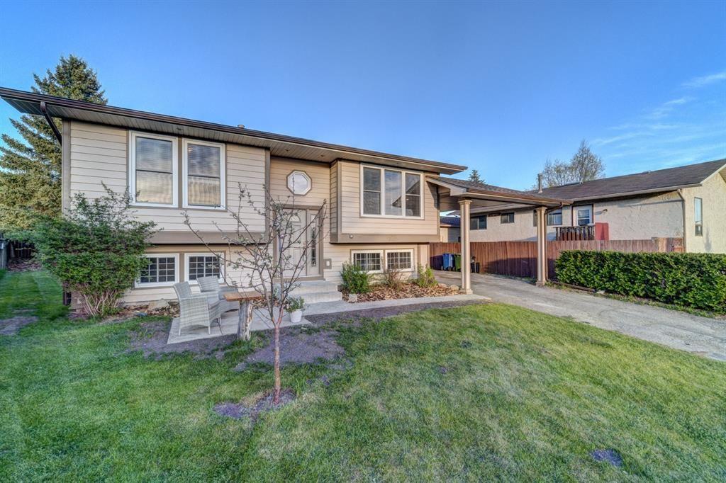 Main Photo: 13 Bentley Place: Cochrane Detached for sale : MLS®# A1115045