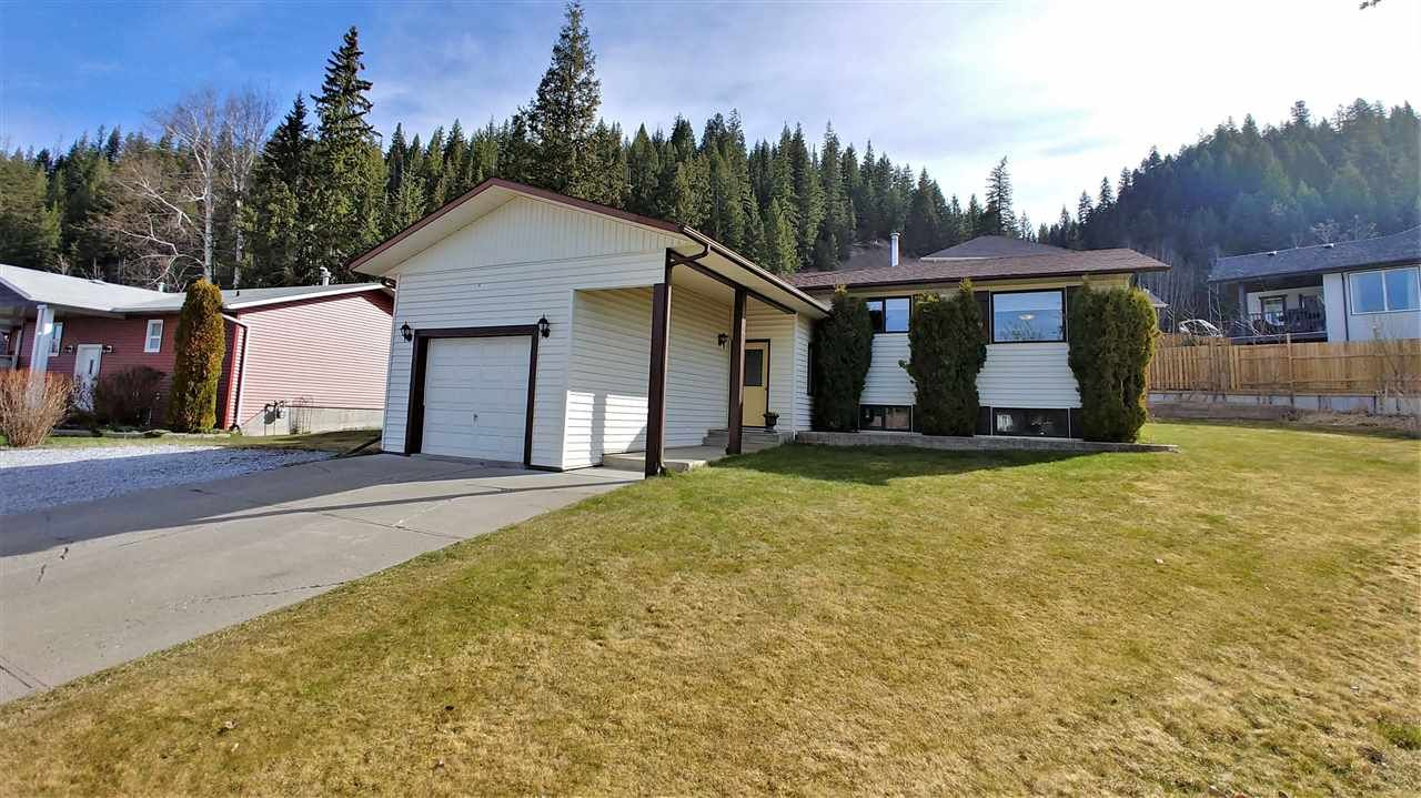 """Main Photo: 4630 NEWGLEN Place in Prince George: North Meadows House for sale in """"NORTH MEADOWS"""" (PG City North (Zone 73))  : MLS®# R2365544"""