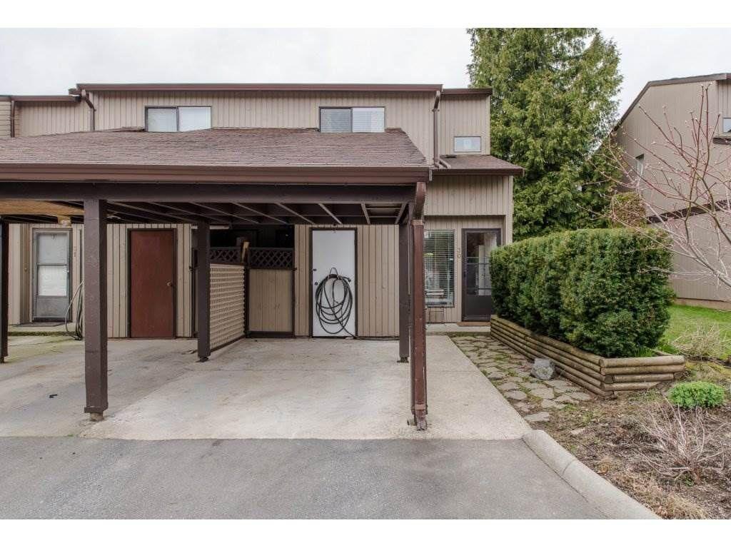 "Main Photo: 30 27044 32 Avenue in Langley: Aldergrove Langley Townhouse for sale in ""BERTRAND ESTATES"" : MLS®# R2152303"