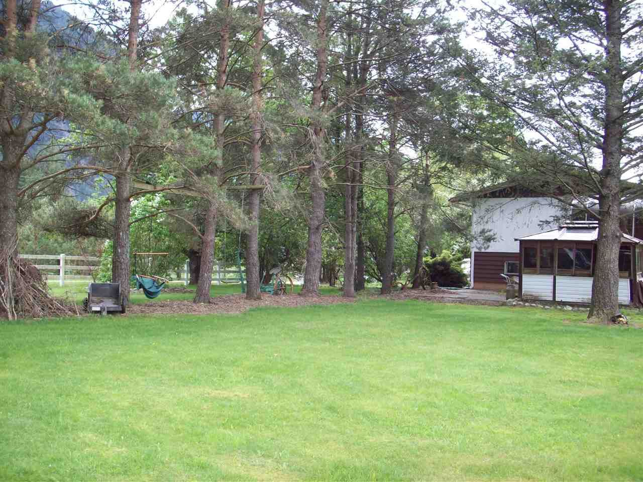 Photo 16: Photos: 58955 ANDERSON LANE in Hope: Hope Laidlaw House for sale