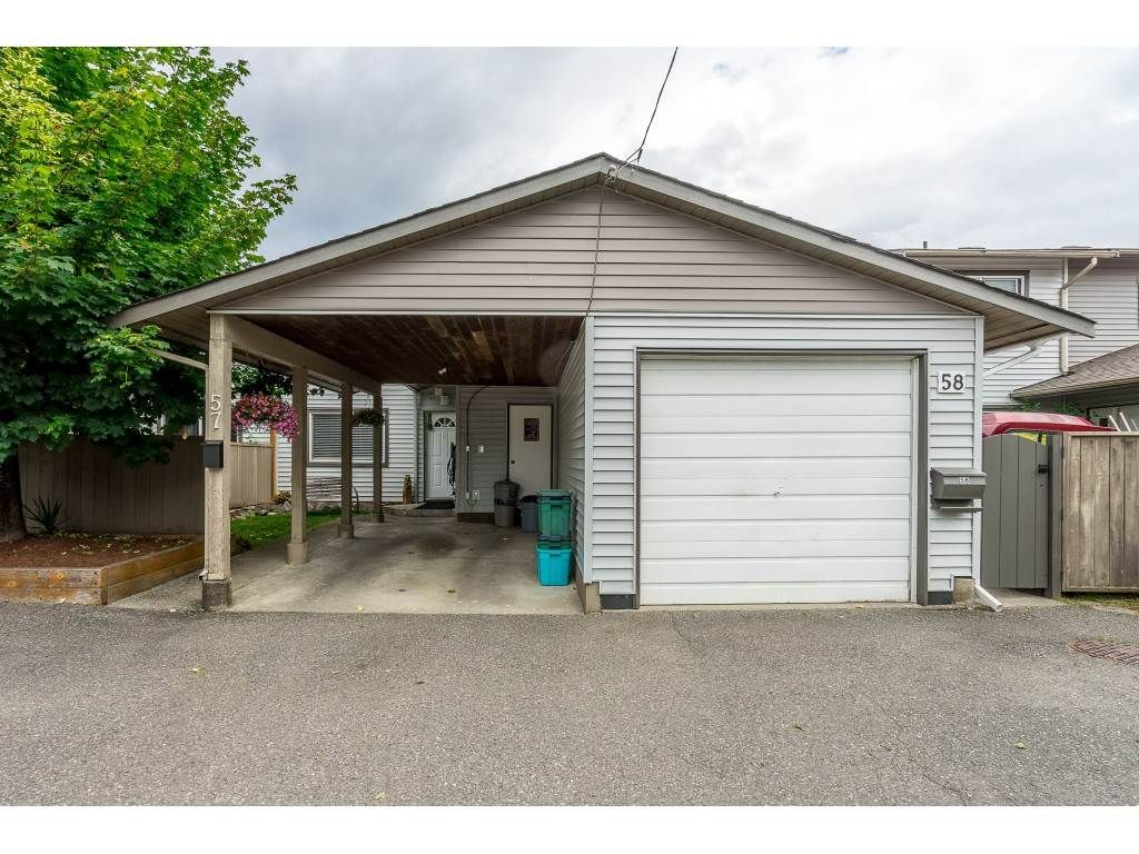 "Main Photo: 57 46689 FIRST Avenue in Chilliwack: Chilliwack E Young-Yale Townhouse for sale in ""MOUNT BAKER ESTATES"" : MLS®# R2470706"