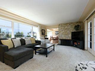 Photo 2: 11 Phillion Pl in : Es Kinsmen Park House for sale (Esquimalt)  : MLS®# 851461
