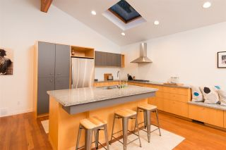 Photo 2: 715 E 18TH Street in North Vancouver: Boulevard House for sale : MLS®# R2261100