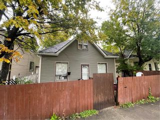 Photo 2: 477 Magnus Avenue in Winnipeg: North End Residential for sale (4A)  : MLS®# 202122975