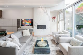 """Main Photo: 168 BOATHOUSE Mews in Vancouver: Yaletown Townhouse for sale in """"Marinaside Resort"""" (Vancouver West)  : MLS®# R2608998"""
