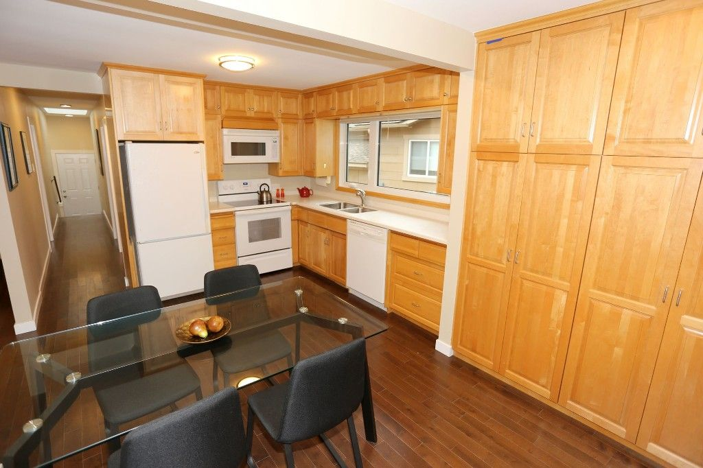 Photo 11: Photos: 306 Wildwood Park in Winnipeg: Wildwood Single Family Detached for sale (1J)  : MLS®# 1728410