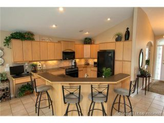 Photo 3: 2220 Waddington Court in Kelowna: Residential Detached for sale : MLS®# 10049691