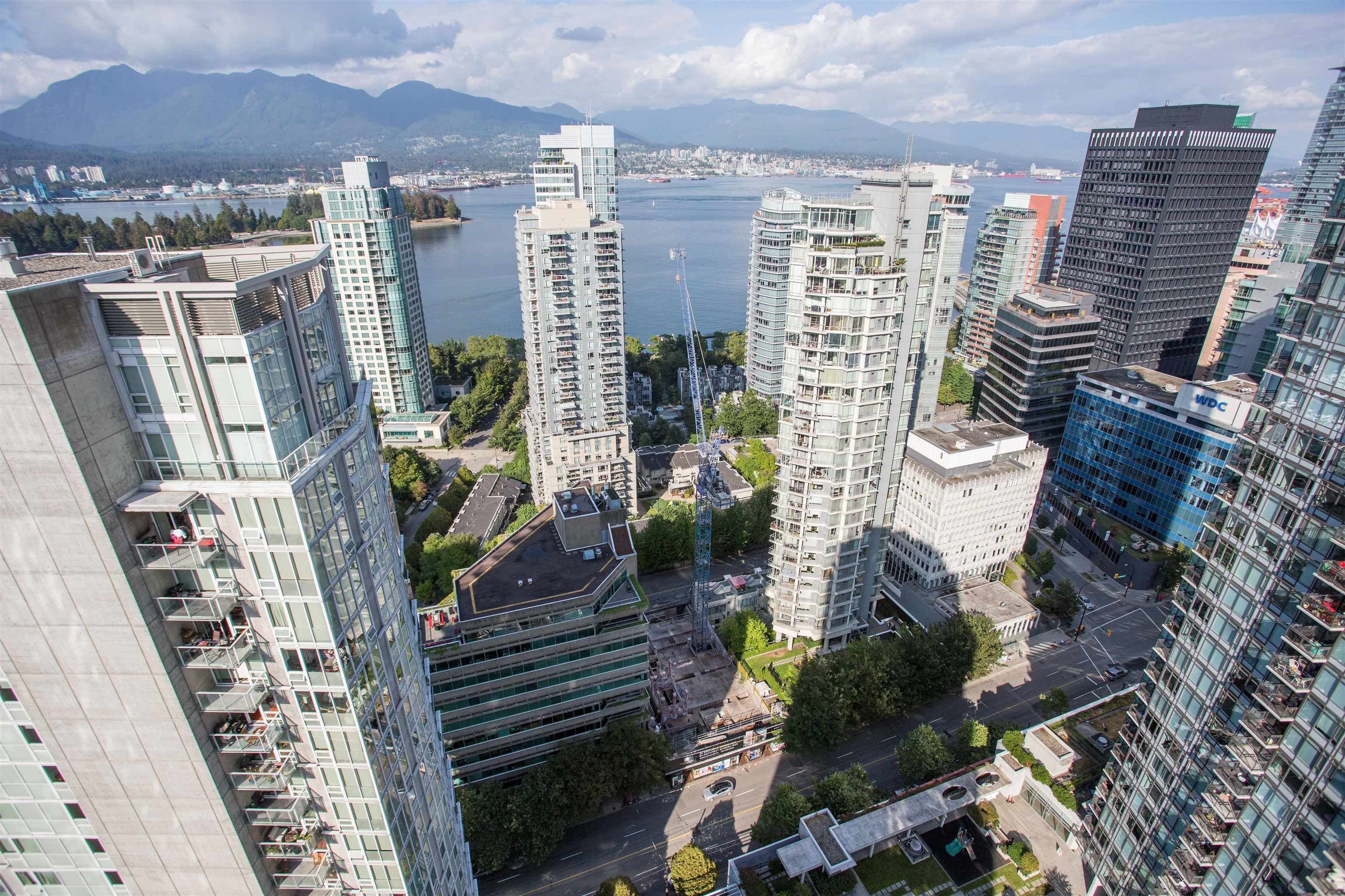 """Main Photo: 3302 1238 MELVILLE Street in Vancouver: Coal Harbour Condo for sale in """"POINTE CLAIRE"""" (Vancouver West)  : MLS®# R2615681"""