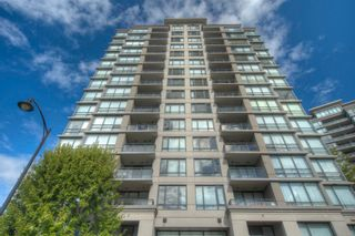 """Photo 16: 806 3333 CORVETTE Way in Richmond: West Cambie Condo for sale in """"Wall Centre at the Marina"""" : MLS®# R2622056"""