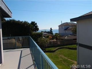 Photo 5: 2545 Beach Dr in Victoria: House for sale : MLS®# 356036