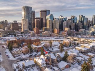 Photo 3: 232 2 Avenue NE in Calgary: Crescent Heights Detached for sale : MLS®# A1066844