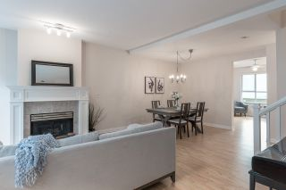 """Photo 3: 513 1485 PARKWAY Boulevard in Coquitlam: Westwood Plateau Townhouse for sale in """"SILVER OAK"""" : MLS®# R2545061"""