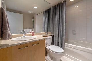 "Photo 9: 2506 2979 GLEN Drive in Coquitlam: North Coquitlam Condo for sale in ""ALTAMONTE"" : MLS®# R2362036"