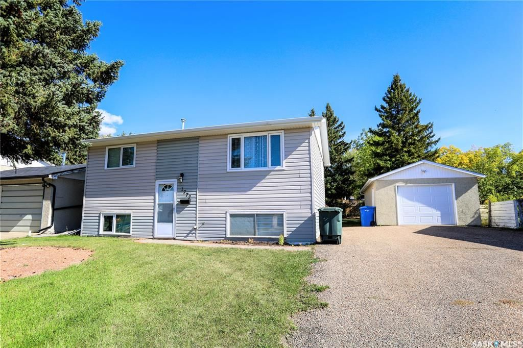 Main Photo: 1772 110th Street in North Battleford: College Heights Residential for sale : MLS®# SK870999