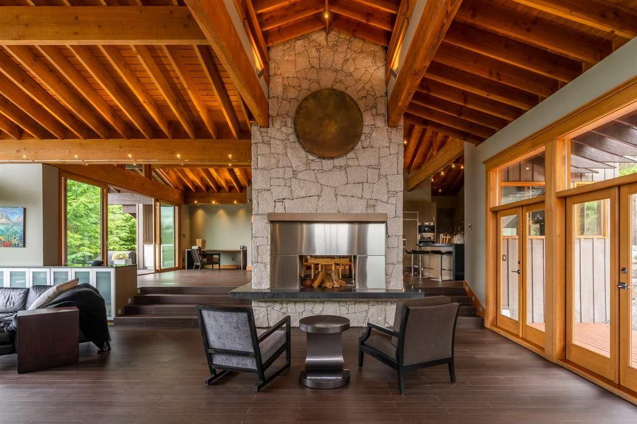 Main Photo: 1280 COWAN POINT Drive: Bowen Island House for sale : MLS®# R2562617