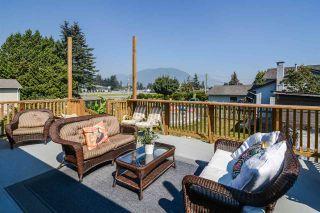 Photo 2: 8174 LAWRENCE Lane in Mission: Hatzic House for sale : MLS®# R2305261