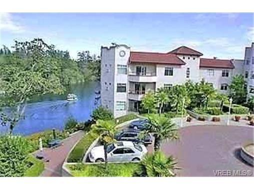 Main Photo:  in VICTORIA: Es Kinsmen Park Condo for sale (Esquimalt)  : MLS®# 358976