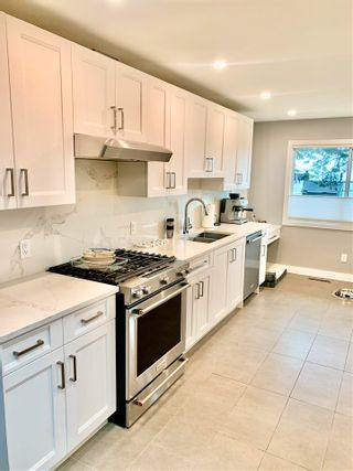 Photo 2: 260 N HOWARD Avenue in Burnaby: Capitol Hill BN House for sale (Burnaby North)  : MLS®# R2581419