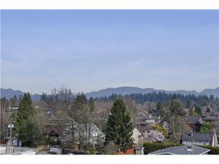 Photo 2: 905 258 SIXTH Street in New Westminster: Uptown NW Condo for sale : MLS®# R2230023