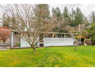 """Photo 1: 14 20071 24 Avenue in Langley: Brookswood Langley Manufactured Home for sale in """"Fernridge Park"""" : MLS®# R2562399"""