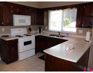 Photo 4: 6318 180A Street in Surrey: Cloverdale BC House for sale (Cloverdale)  : MLS®# F2826783