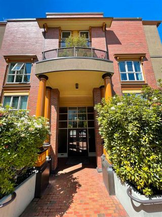 """Photo 1: PH D 2775 FIR Street in Vancouver: Fairview VW Condo for sale in """"STERLING COURT"""" (Vancouver West)  : MLS®# R2592529"""