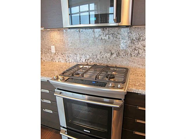 Photo 2: Photos: 1703 2077 ROSSER Avenue in Burnaby: Brentwood Park Condo for sale (Burnaby North)  : MLS®# R2187156