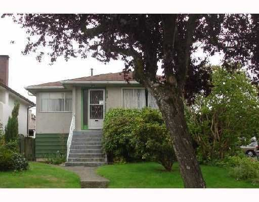 Main Photo: 2916 Kitchener Street in Vancouver: Renfrew VE House for sale (Vancouver East)  : MLS®# V763958