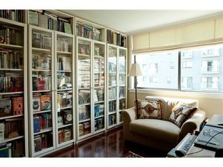 Photo 6: 302 2108 Argyle Avenue in Navvy Jack West: Dundarave Home for sale ()  : MLS®# V987824