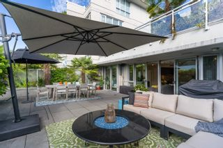 """Photo 5: 227 2008 PINE Street in Vancouver: False Creek Condo for sale in """"MANTRA"""" (Vancouver West)  : MLS®# R2620920"""
