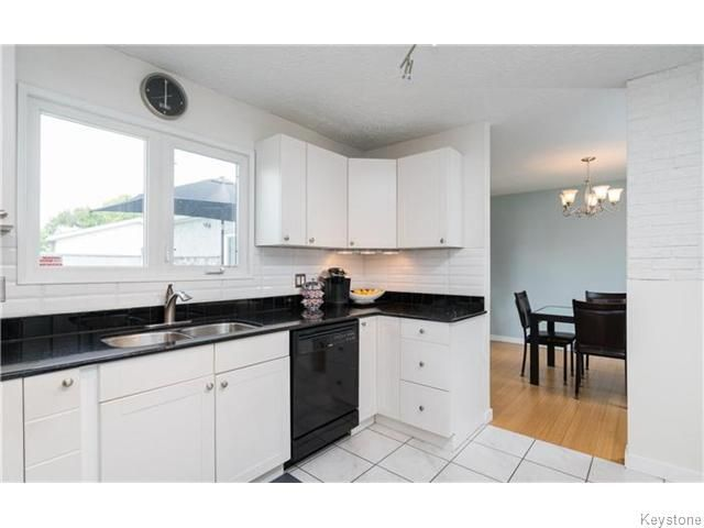 Photo 9: Photos: 120 Brookhaven Bay in Winnipeg: Southdale Residential for sale (2H)  : MLS®# 1622301
