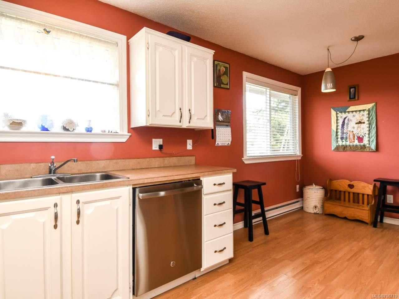 Photo 15: Photos: 1234 Denis Rd in CAMPBELL RIVER: CR Campbell River Central House for sale (Campbell River)  : MLS®# 786719