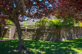 Photo 31: 201 1211 Beach Dr in Oak Bay: OB South Oak Bay Row/Townhouse for sale : MLS®# 842694