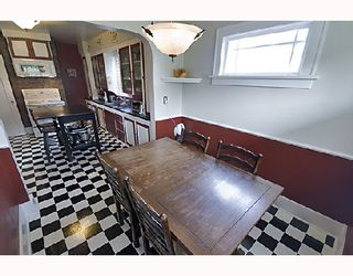 """Photo 4: 2366 CHARLES Street in Vancouver: Grandview VE House for sale in """"COMMERCIAL DRIVE"""" (Vancouver East)  : MLS®# V706768"""