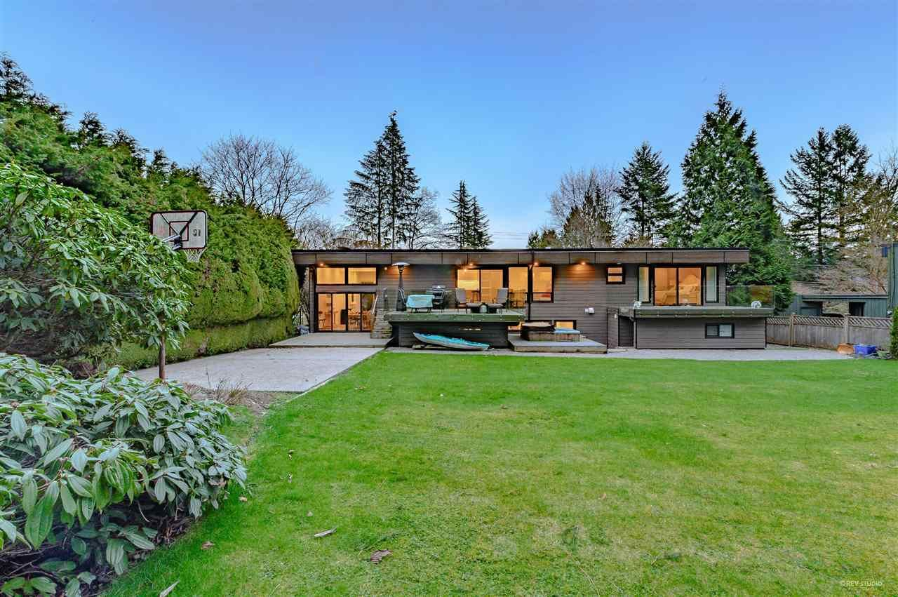 Main Photo: 655 FAIRWAY DRIVE in North Vancouver: Dollarton House for sale : MLS®# R2507638