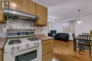Photo 12: 638 Mckay AVENUE in Windsor: House for sale : MLS®# 21017569