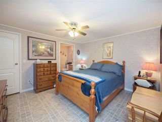 """Photo 10: 81 2270 196 Street in Langley: Brookswood Langley Manufactured Home for sale in """"Pineridge Park"""" : MLS®# R2224829"""