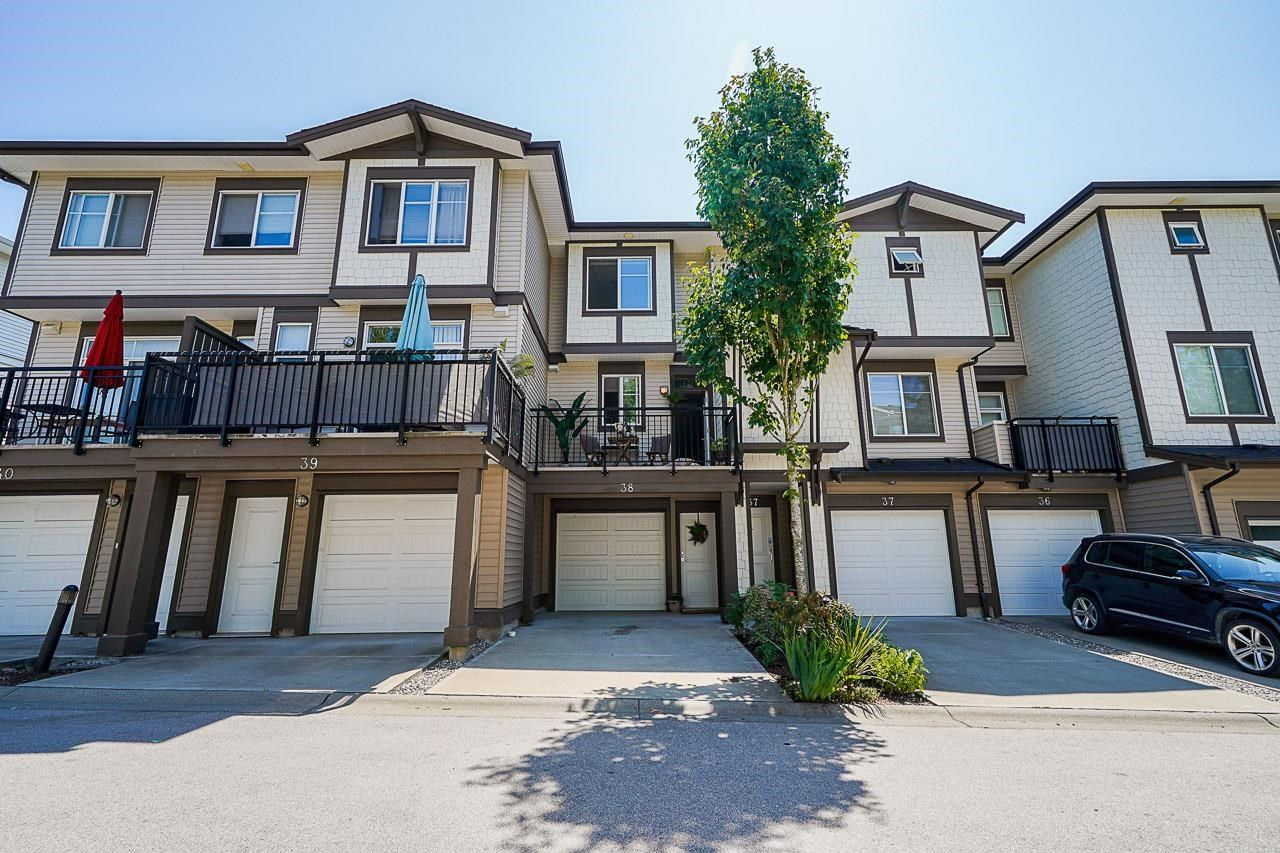 """Main Photo: 38 19433 68 Avenue in Surrey: Clayton Townhouse for sale in """"THE GROVE"""" (Cloverdale)  : MLS®# R2601780"""