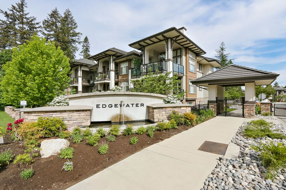 Main Photo: 110 15155 36 ave in Surrey BC: Morgan Creek Home for sale ()