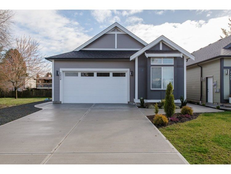 "Main Photo: 6454 EVANS Road in Chilliwack: Sardis West Vedder Rd House for sale in ""SARDIS"" (Sardis)  : MLS®# R2080715"