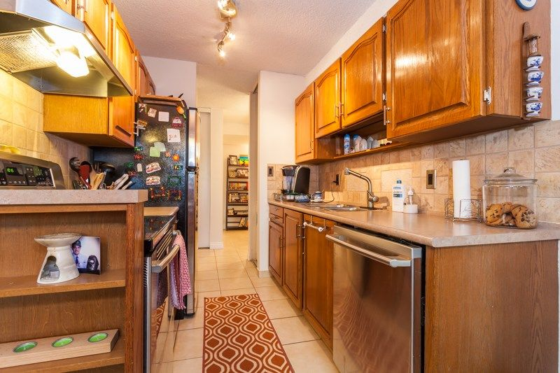 "Photo 4: Photos: 108 1429 MERKLIN Street: White Rock Condo for sale in ""Kensington Manor"" (South Surrey White Rock)  : MLS®# R2135668"