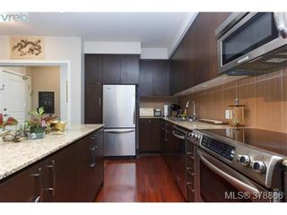 Photo 4: 301 1395 Bear Mountain Pkwy in VICTORIA: La Bear Mountain Condo for sale (Langford)  : MLS®# 760871