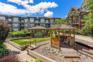 """Photo 15: 308 19201 66A Avenue in Surrey: Clayton Condo for sale in """"ONE92"""" (Cloverdale)  : MLS®# R2399827"""