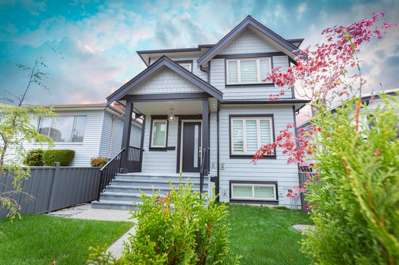 FEATURED LISTING: 2887 MCGILL Street Vancouver