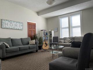 Photo 2: 647 Niagara St in : Vi James Bay Multi Family for sale (Victoria)  : MLS®# 869328