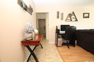 Photo 3: 814 Matheson Drive in Saskatoon: Massey Place Residential for sale : MLS®# SK773540