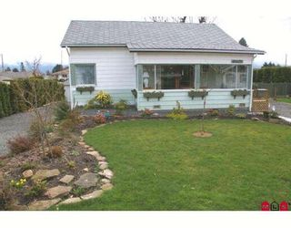 Photo 1: 46670 PORTAGE Avenue in Chilliwack: Chilliwack N Yale-Well House for sale : MLS®# H2801501